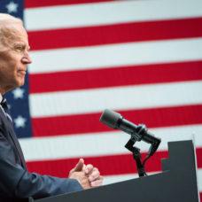 Traducción simultánea en Valencia. TV en directo - Investidura de Joe Biden como presidente de EE. UU. (20/01/2021) - À Punt